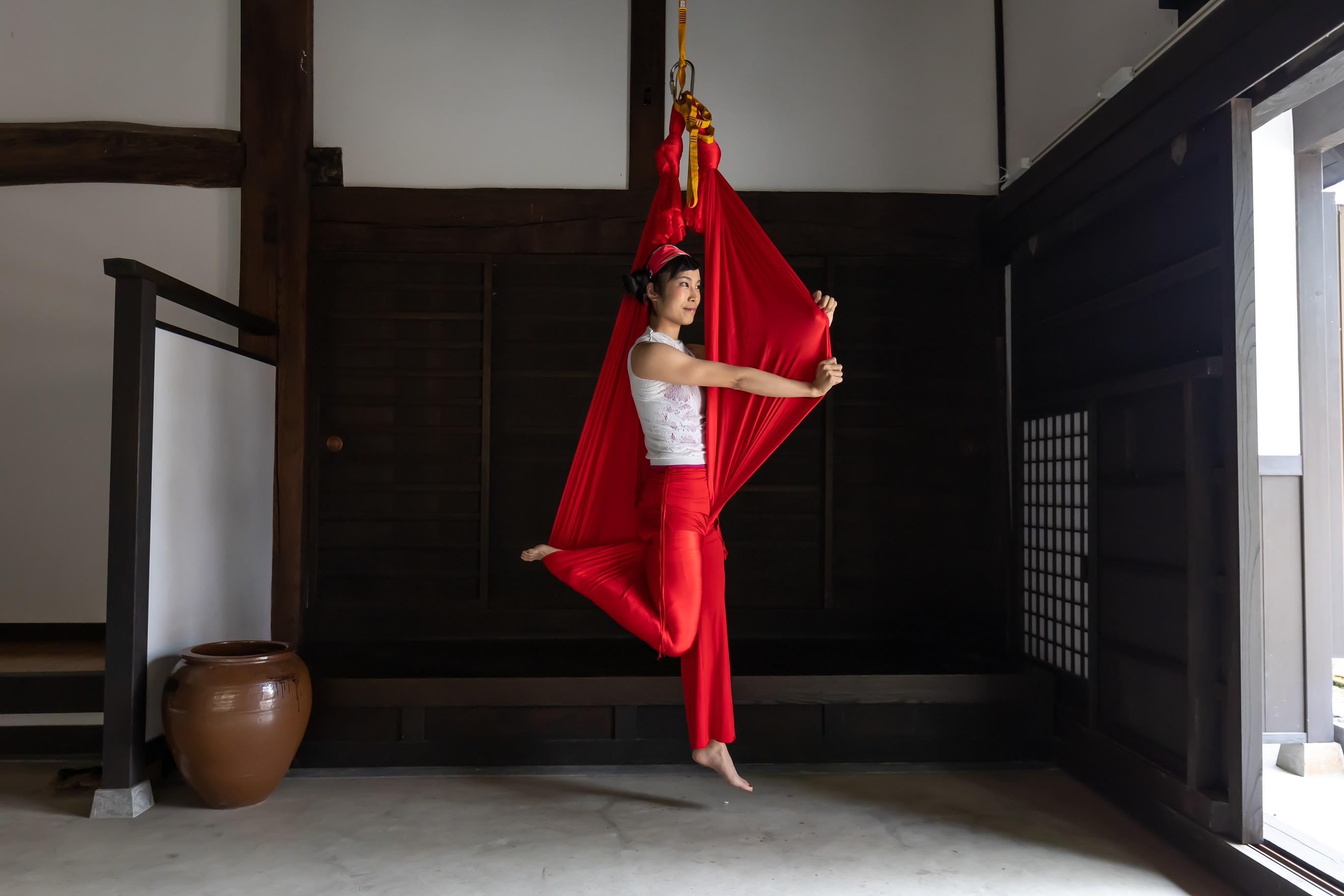 鎌倉の武家屋敷でヨガ・エアリアルヨガ!